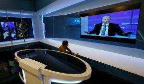"""В Кремле объявили дату очередной """"прямой линии"""" с Путиным"""