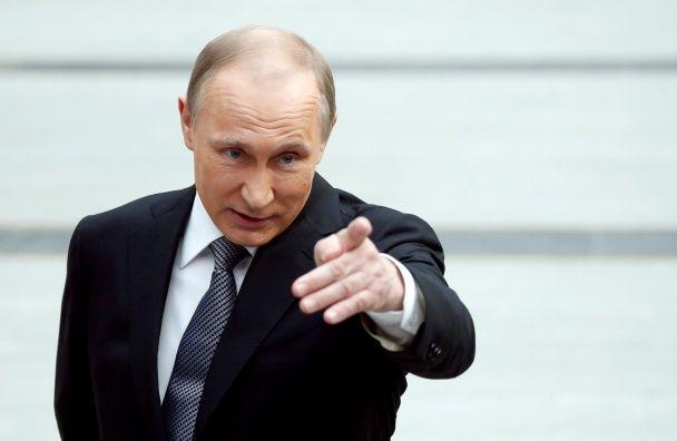 """Єхидна посмішка та експресивні жести. Емоції Путіна під час """"Прямої лінії"""""""