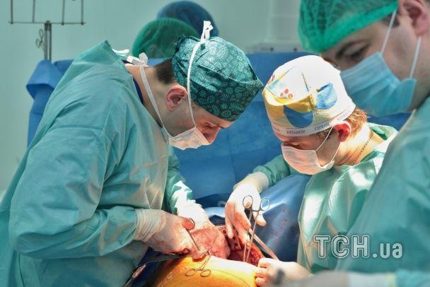 Прорив у вітчизняній медицині: вперше в Україні пацієнтці пересадили легені