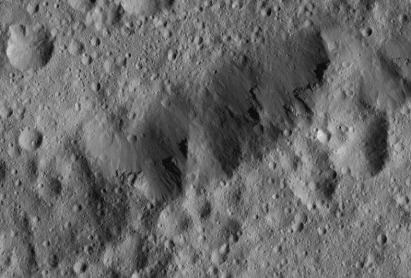 "NASA показало снимок ""шумерского"" кратера на Церере"