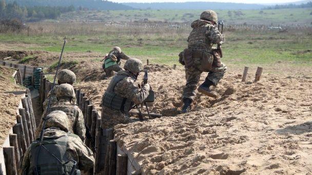 Міноборони опублікувало фото навчань українських десантників під керівництвом інструкторів НАТО