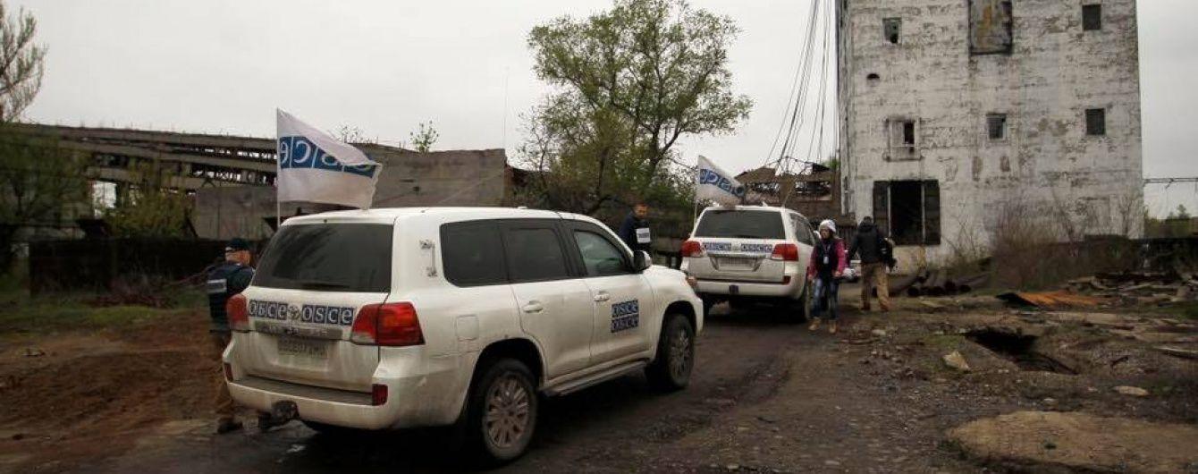 Спостерігачі ОБСЄ виявили 8 протитанкових мін біля Новотошківського