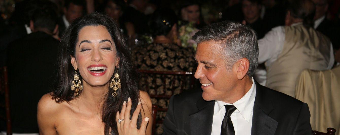 """Голлівудський красень Джордж Клуні назбирав """"шалені гроші"""" для Гілларі Клінтон"""