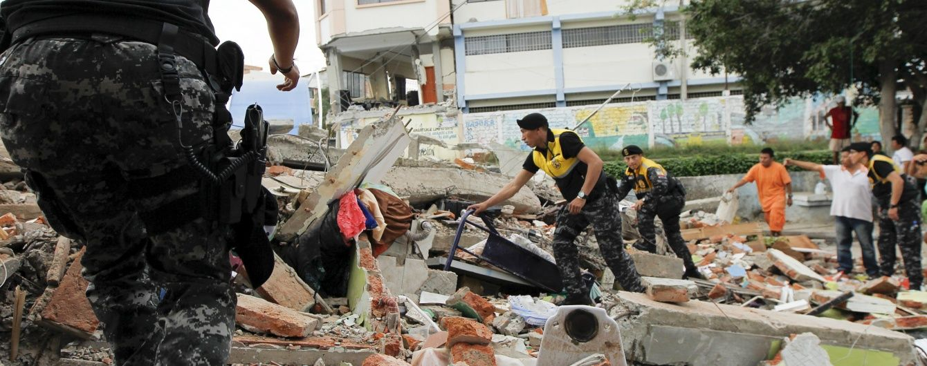 В Еквадорі врятували чоловіка через 13 днів після землетрусу