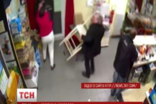 У Франції мати немовляти врятувала відвідувачів бару від нападника із пістолетом