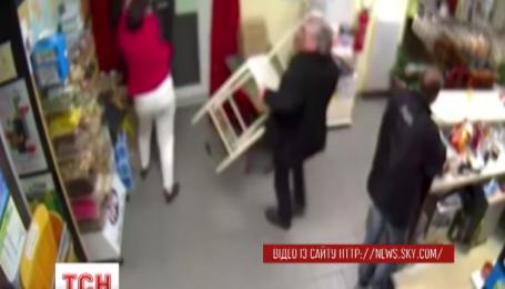 Во Франции владелица бара самостоятельно помешала ограблению своего заведения
