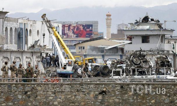 Кривавий вибух смертника та стрілянина в будівлі спецслужб: у Кабулі здійснено теракт