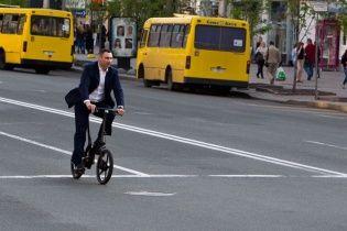 У Мережі критикують Кличка, який на велосипеді за 4 тисячі доларів порушував ПДР