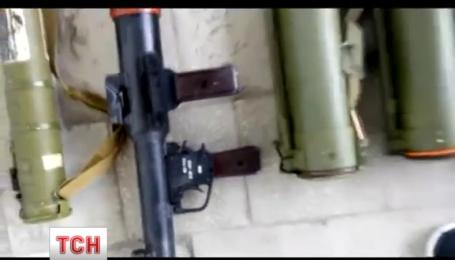 На Луганщине СБУ обнаружила огромный схрон с оружием