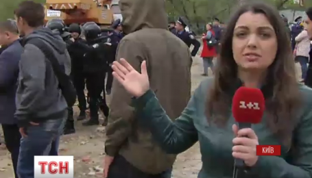 Столкновения на Утином озере в столице продолжаются