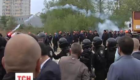 Противостояние на Утином озере в столице обострилось