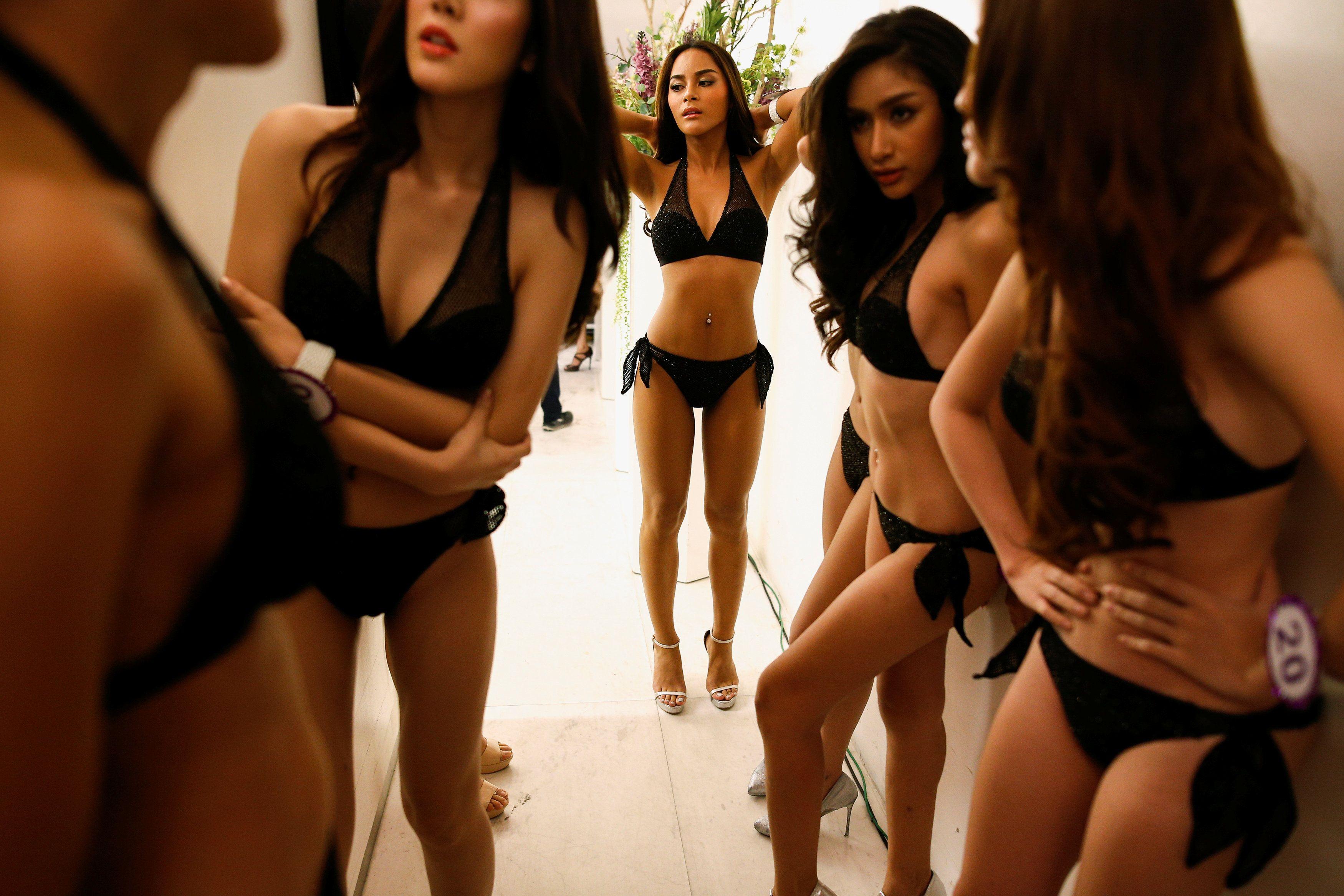 Конкурс краси серед трансвеститів у Таїланді_1