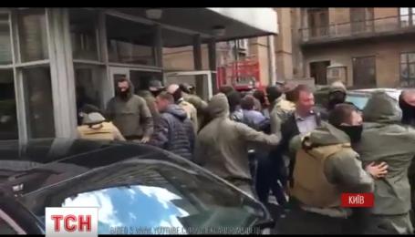 На Хрещатику підприємці протестують проти заборони торгувати в кіосках спиртним