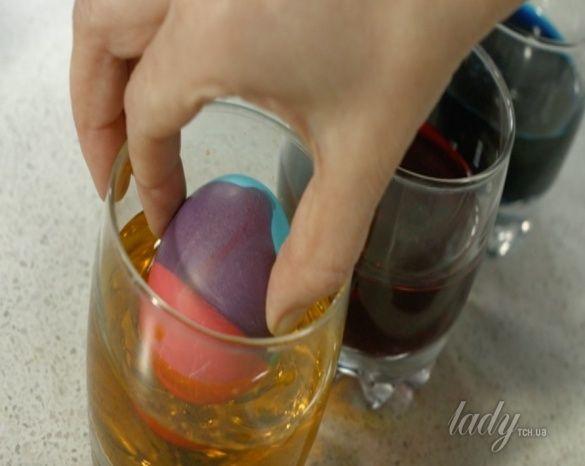 покраска пасхальных яиц_4