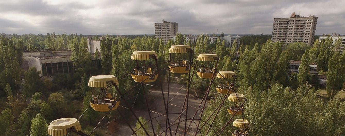 """В Припяти запустили """"чертово колесо"""", которое стояло мертвым больше 30 лет после взрыва на ЧАЭС"""