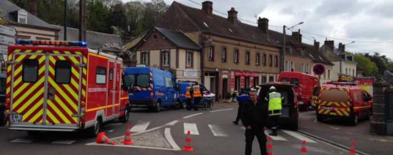 У Франції вибухнув будинок, під завалами залишаються люди