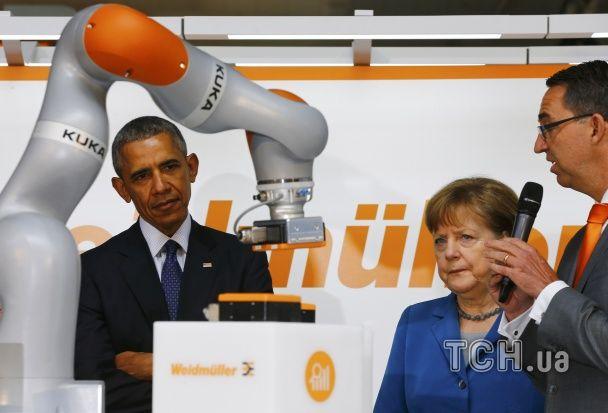 Обама та Меркель поринули у віртуальный світ на виставці в Ганновері
