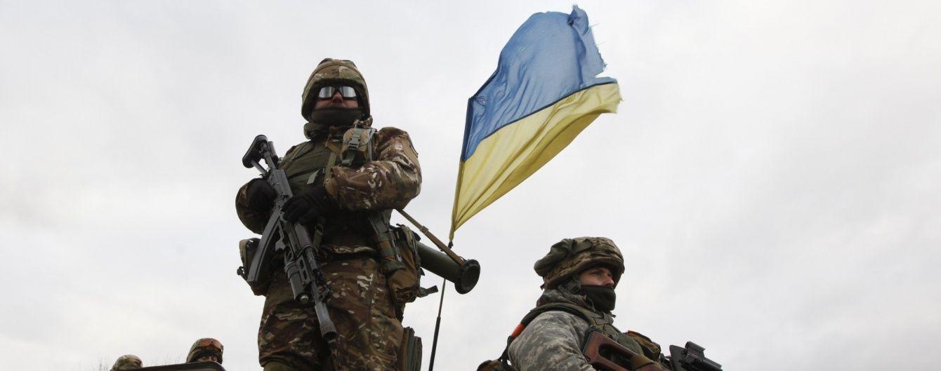 Із полону бойовиків звільнили трьох українців – Порошенко