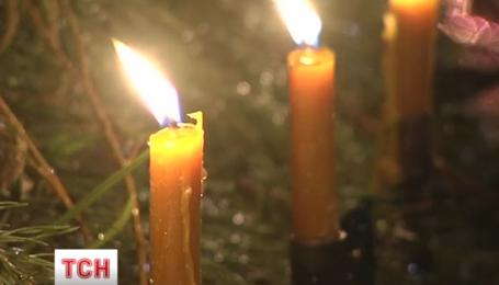 Біля Чорнобильського храму в Києві вшанували пам'ять загиблих ліквідаторів ЧАЕС