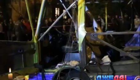 Подборка невероятных аварий. В Ереване во время движения взорвался автобус