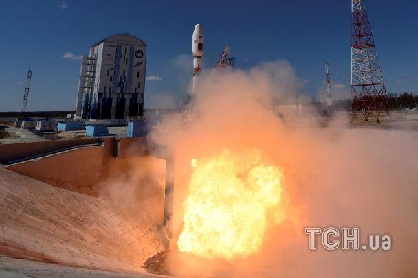 """Невдоволений Путін та старт із другої спроби. Як у РФ запустили ракету """"Союз"""""""