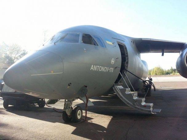 """""""Антонов"""" хоче виграти """"ласий"""" тендер на постачання літаків до Індії"""