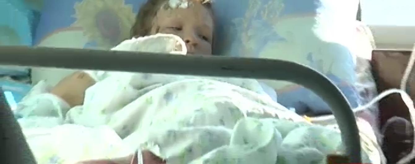 Дівчинку-сироту, яку віддали чужим людям, після розголосу поспіхом повернули до Краматорська