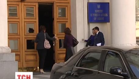 В МЗС відзначають, що в Росії продовжують безпідставно затримувати українців