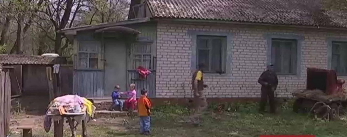 Українці скинулись на новий будинок для маленького рятівника з Чернігівщини
