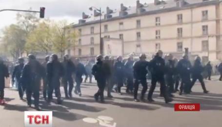 Более 120 митингующих задержали в ходе столкновений с французской полицией