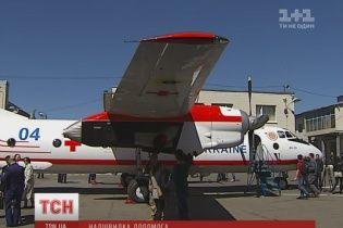 За годину від Києва до Одеси. Рятувальники отримали перший в історії медичний літак