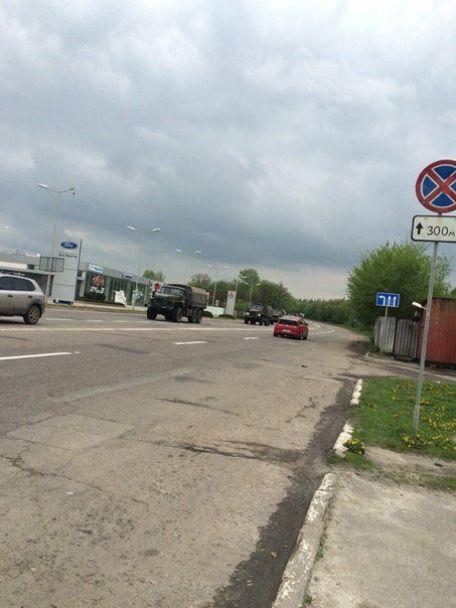 ЗМІ опублікували фото колони російської техніки, яка зайшла в Луганськ
