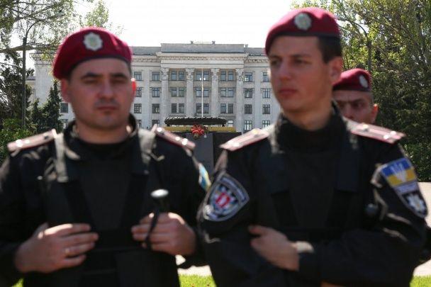 """Річниця трагедії 2 травня в Одесі: візит нардепів """"опоблоку"""", один загиблий та затримані провокатори"""