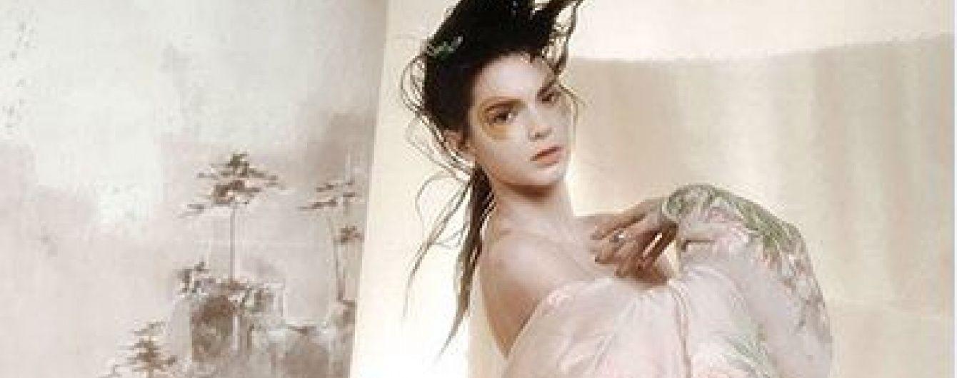 Сестра Кім Кардашян приміряла образ гейші у ніжній фотосесії