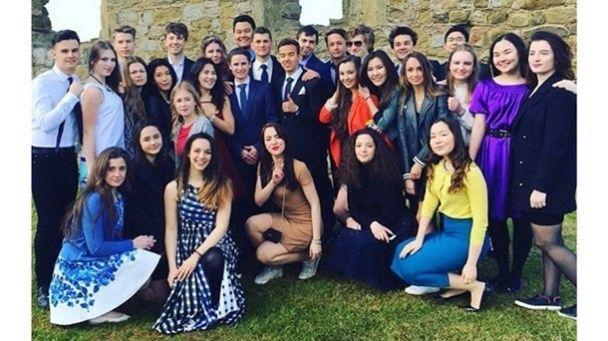 Діти Порошенка сфотографувались для елітного британського коледжу