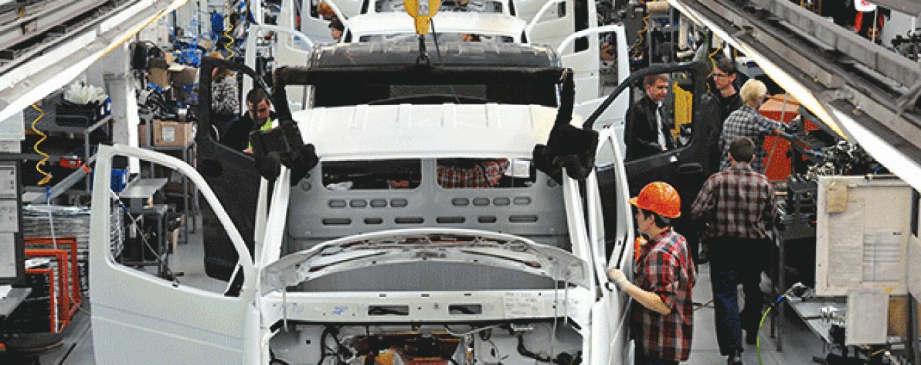 Економічна криза може закрити в Росії шість автозаводів