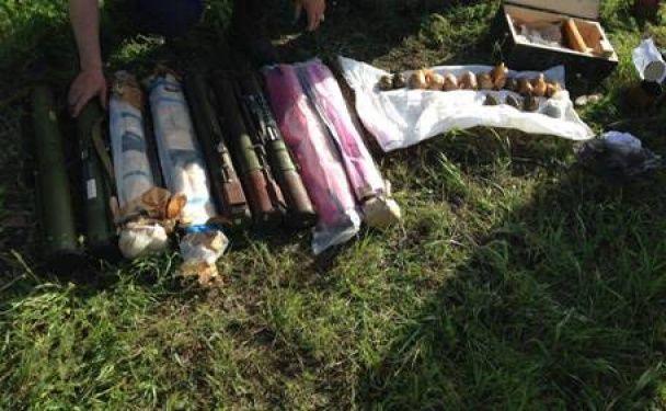 Набої, тротил, гранатомети. Бойовики готували теракти в Маріуполі напередодні свят