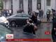 Поліцейський, який отримав поранення у голову, залишається  у лікарні