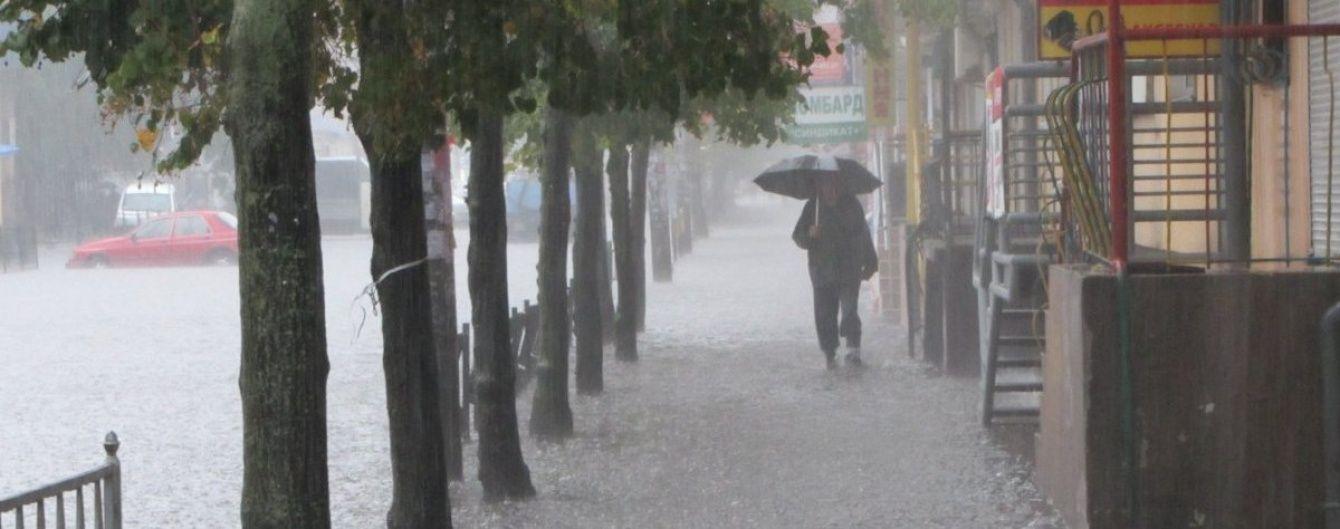 На Україну насуваються грозові дощі й навіть зливи з градом