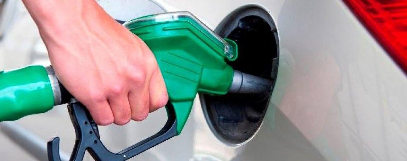 Скільки коштує заправити автомобіль. Середня вартість пального 18 серпня
