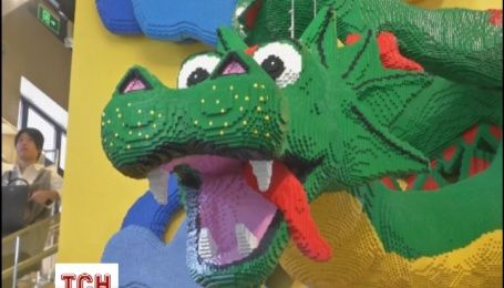 Найбільший в світі магазин Lego відкрився в Шанхаї