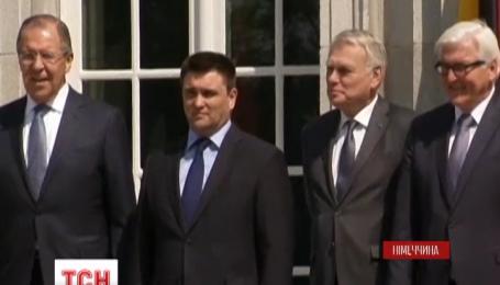 Берлінська зустріч у Нормандському форматі не вирішила питання місцевих виборів на Донбасі