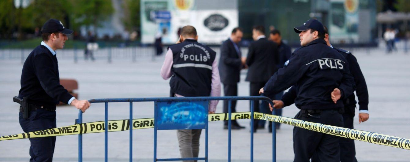 В Турции неизвестный захватил заложников в суде, есть пострадавшие - СМИ