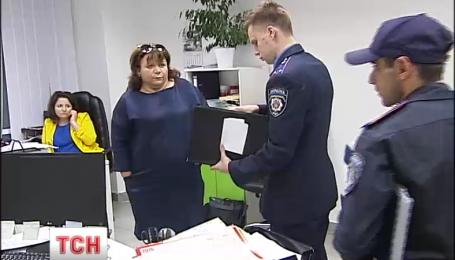 Следователи города Борисполя и сотрудники СБУ обыскали бизнес-центр на окраине столицы