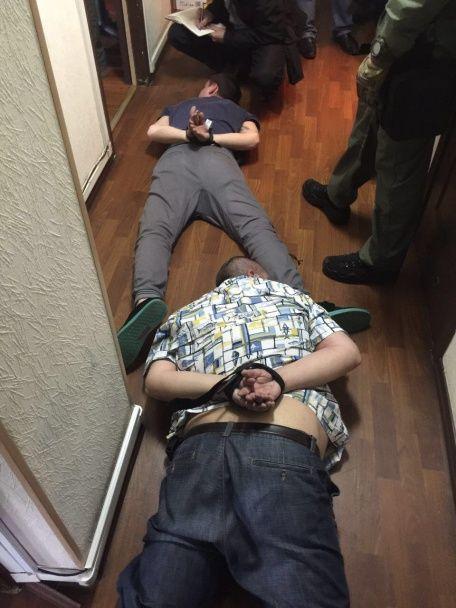 """Стали відомі подробиці затримання банди """"чорних ріелторів"""" у Києві"""