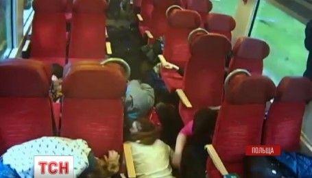 У Польщі водій потяга врятував пасажирів під час аварії
