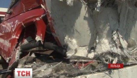 Пасажирів під час аварії врятував водій потяга