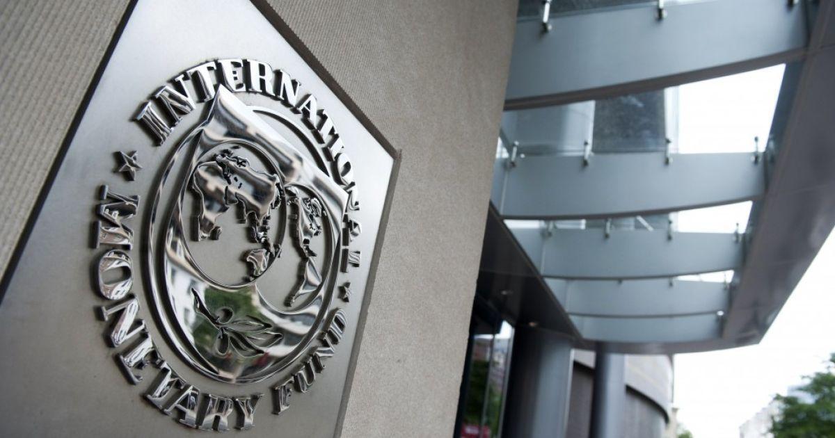 МВФ решил выделить Украине второй транш кредита