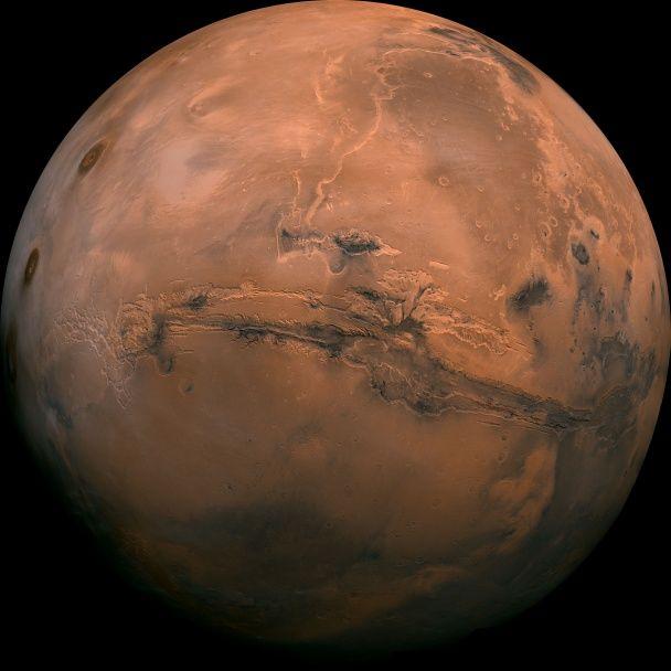 NASA опубликовало 10 лучших фото Марса за всю историю исследований