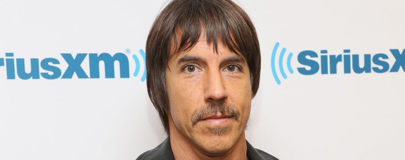 Фронтмена Red Hot Chili Peppers забрали до лікарні із важкою хворобою
